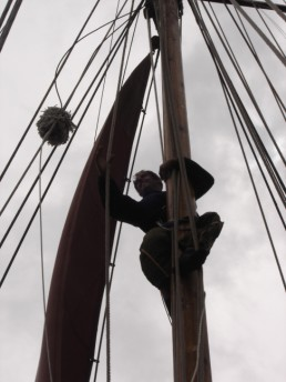 Rob up the mast