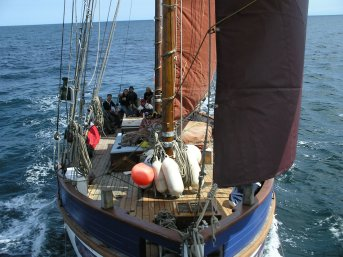 Under full sail - deck view